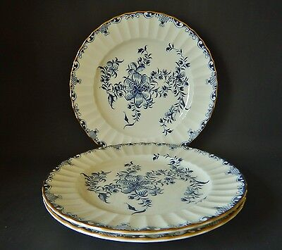 THREE ROYAL WORCESTER MANSFIELD 210mm PLATES