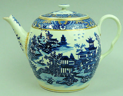 Antique  Worcester Blue & White Fine Porcelain Teapot C.1775