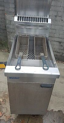 waldorf deep fryer