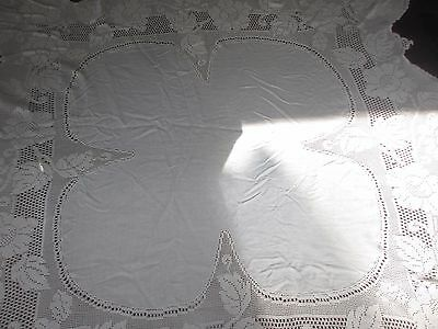 Vintage elegant White Cotton & Lace Tablecloth 155 x 146 cms