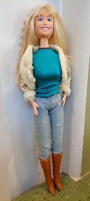 Hannah Montana DOLL with Clothing Boots Jeans Sings Clothes Miley Cyrus