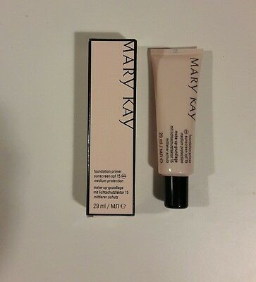 Pre-Base de Maquillaje con FPS 15 Protección Media Mary Kay