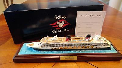 Official DCL Disney Cruise Line by OLSZEWSKI Scale Model Ship FANTASY lights up