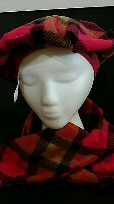 GAP  Scarf and Hat Set , Brand NEW