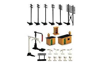 Hornby R574 Trackside Accessories Pack Sheds Telegraph Poles OO Gauge 1:76 Scale