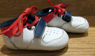 baby vintage shoes Steps Children  Size 1 Leather trainers boys 0 - 3 - 6 months