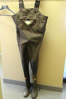 Medium Size 8 Northern Escape Chest Waders Insulated ~EUC~ Fishing Gear