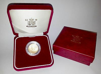 1957 Queen Elizabeth II Gold Sovereign + Capsulated within Luxury Case