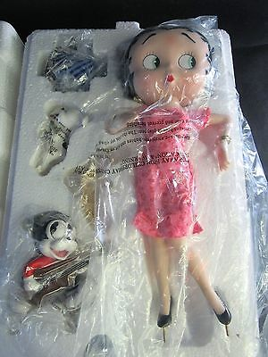 RARE Lovely  Danbury Mint Betty Boop Porcelain Figure You Steal Our Hearts.