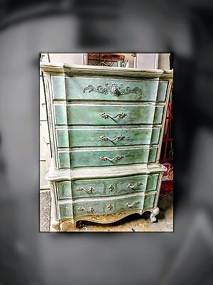 vintage dresser one of a kind. Shabby / french dresser.