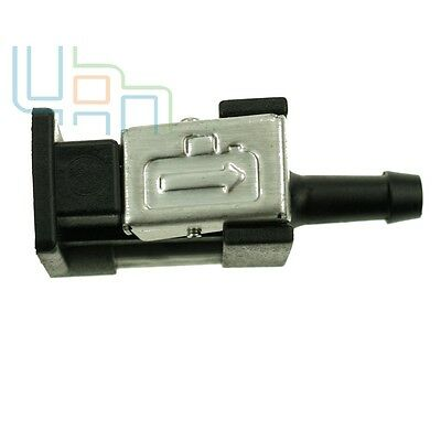 Fuel Line Connector fitting for Yamaha Outboard Motor Fuel Tank 8mm  Tank Side