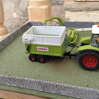 Britains Farm SPECIAL Claas Twin Axle Silage Trailer (1/32 Scale)