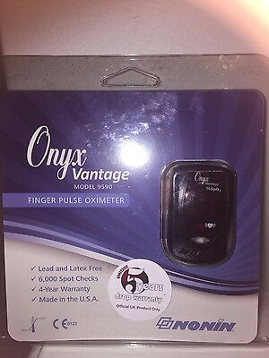 2 x Nonin Onyx Vantage Finger Pulse Oximeter - Model 9590 CE APPROVED!!!!!!!!