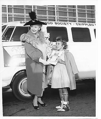 Vintage 1960 Hollywood Columnist Hedda Hopper w/ Easter Seal Child Press Photo