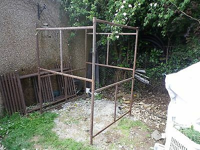 Used Old Steel Scaffolding Tower