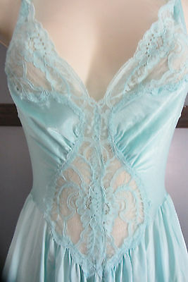 Vintage Olga Nightgown Lingerie Style 92150 M Lace Bodice Blue Long Flowing