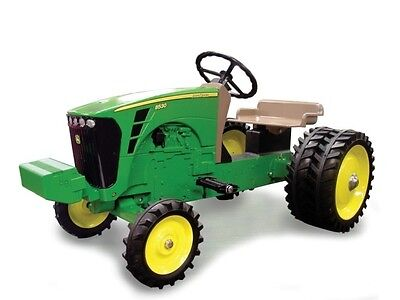 John Deere 8530 Wide Front Diecast Pedal Tractor W/Duals by ERTL NIB!