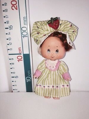 VINTAGE STRAWBERRY SHORTCAKE Doll Dressed And Hat