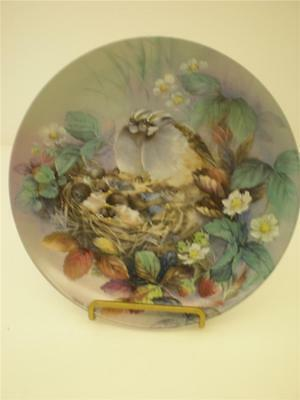 Lena Liu Collector Plate White-Crowned Sparrow Tender Lullaby Nature's Poetry