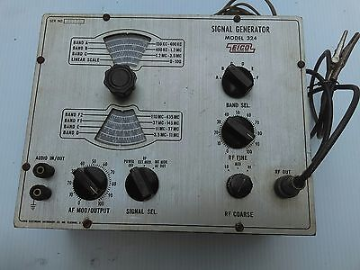 Vintage EICO Model 324 Signal Generator WITH COAXIAL TEST LEAD
