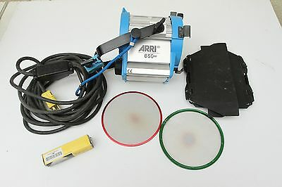 Genuine Arri 650W Plus Fresnel kit light w/ Barndoor Scrim Bulb