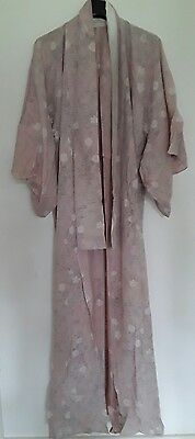 Kimono Vintage japanese pale pink floral pattern very good used condition