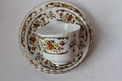 ROYAL STAFFORD TRIO TEA CUP SAUCER & PLATE CLOVELLY GOLDEN ROSES VINTAGE 1952c