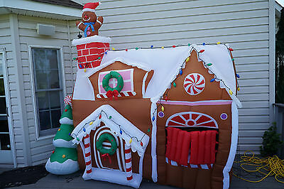 Gemmy Airblown Christmas Inflatable 9' x 9' Animated Gingerbread House Rare