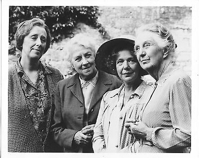 Joan Hickson/agatha Christie's Miss Marple/8X10 Original Photo Cc21450 6-67