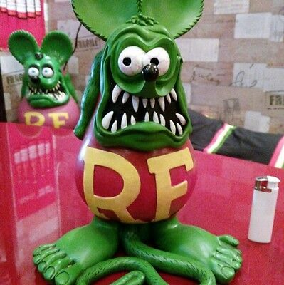 Never Use! [New] Rat Fink 12.6inch !! Big Statue Green MOONJAPAN a regular item