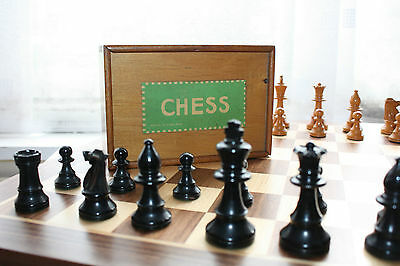 vintage Jaques chess set boxed free p&p