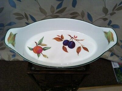 Royal Worcester Evesham Vale Oval serving dish / fish dish oven dish