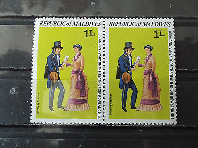 Paire 2 timbres neuf Maldives : Sir Rowald Hill (réforme postale)