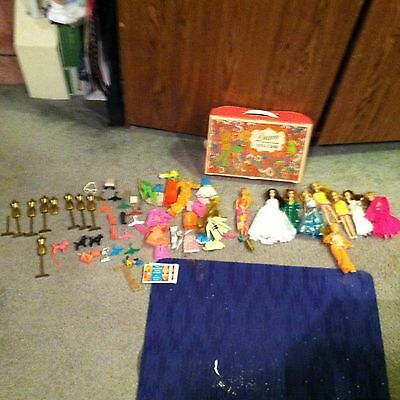 Vintage  Lot 1971 Topper Corp.  Dawn Doll Case With 9 Dolls And Around 60 Access
