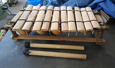 Xylophone African wood and gourds