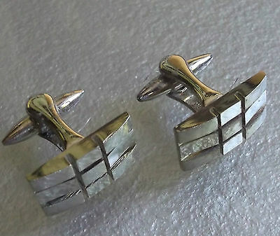 VINTAGE CUFFLINKS 1960s 1970s MOD PALE GOLDTONE METAL PAT. NUMBER CHECKED CHECKS