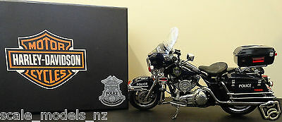 Diecast Promotions 1:12 - Harley Davidson - Milwaukee Police - Rare Ertl Model !