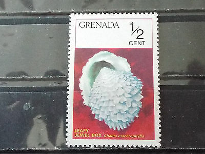 "Timbre neuf Grenada : Mollusque Leavy jewel box ""Chama macerophylla"""