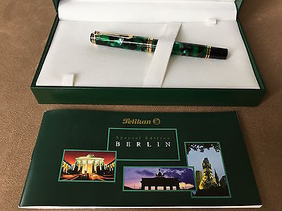 Flawless Pelikan M620 Special Edition FP, City Series, Berlin, 18C Broad Nib