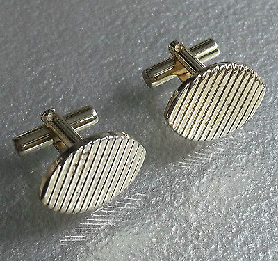 VINTAGE CUFFLINKS 1960s 1970s MOD GOLDTONE METAL CUT RETRO STRIPED DESIGN