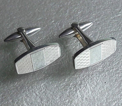 VINTAGE CUFFLINKS 1960s 1970s MOD PALE GOLDTONE EMBOSSED METAL