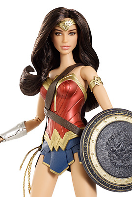 Barbie Collector DC Comics Batman v Superman Dawn of Justice - Wonder Woman