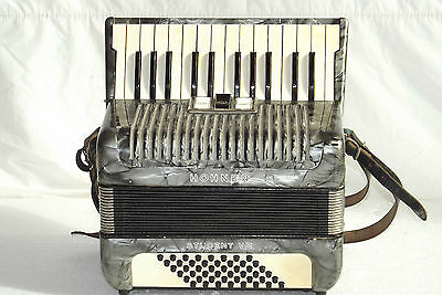 Piano accordion akkordeon  HOHNER  STUDENT V M 48 bass