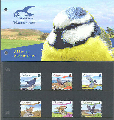 Alderney-Birds set & presentation pack mnh-Blue Tit-Blackbird etc