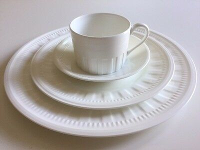 Set Of 4 Wedgwood Colosseum Bone China Cups, Saucers & Plates - New Unused