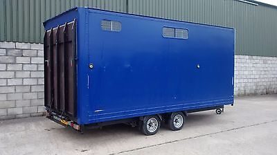 Horsebox. Horse Trailer. Carriage Trailer. Box Trailer. Horse Transporter.
