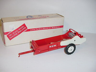 1/16 Vintage Tru Scale Tractor Spreader by Carter (1953) W/Box