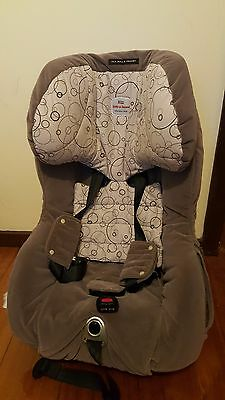 Safe-n-sound-Meridian-baby-car-seat