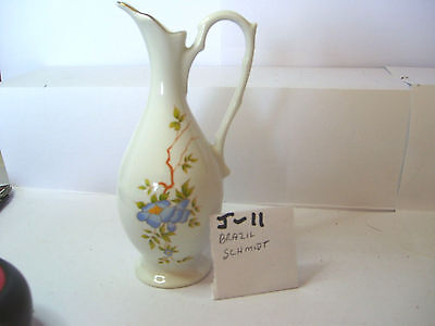 jug withblue flower flower