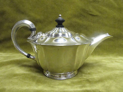early 20th c english sterling silver tea pot (Sheffield 1902 Atkin bros) 452gr